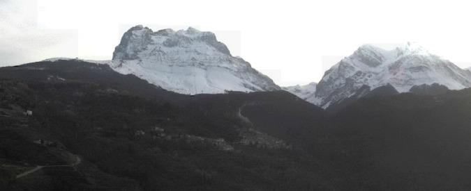 Gran Sasso, una valanga travolge e uccide due persone a quota 2.400 metri