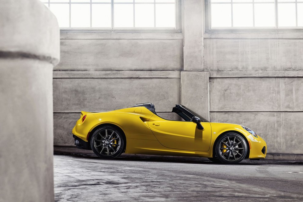 150112_Alfa-Romeo_4C-Spider-US-version_02