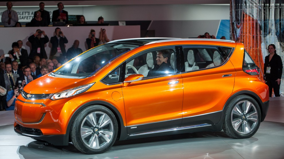 ChevroletBoltConceptReveal02.jpg