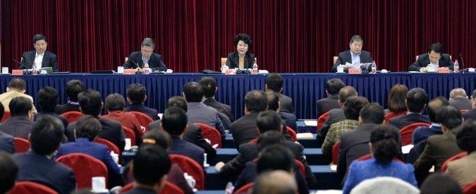 """Cina, governo raddoppia lo stipendio ai funzionari: """"Misura contro la corruzione"""""""