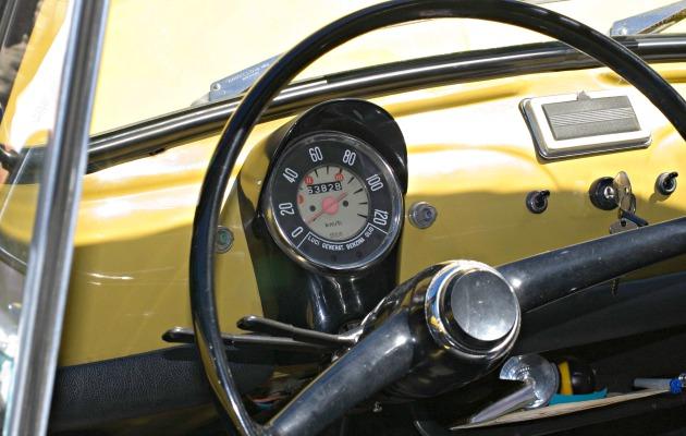 Fiat_500_dashboard 630