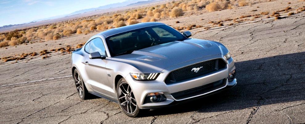 """Ford Mustang, la """"pony car"""" arriva in Italia. Prezzi da 36.000 euro – Fotogallery"""
