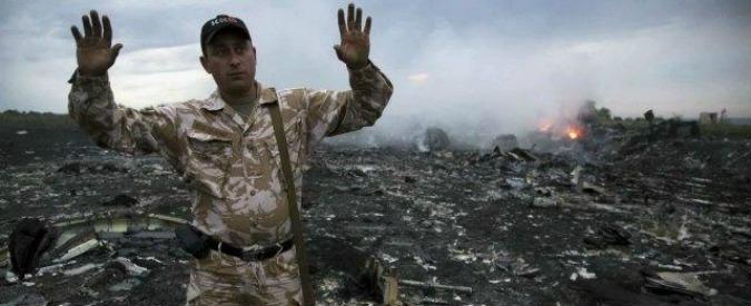 """Malaysia Airlines MH17, le conclusioni degli investigatori sul disastro aereo: """"Abbattuto da un missile russo"""""""