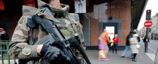 """Terrorismo, arrestati cinque russi in Francia: """"Preparavano un attentato"""""""