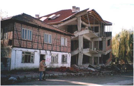 Terremoti se il sistema antisismico del 39 700 tiene meglio for Piano casa per 1000 piedi quadrati