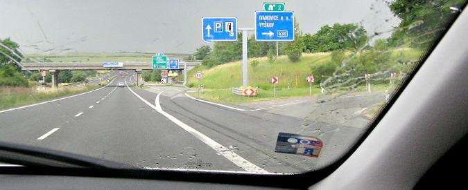 """Autostrade, la commissaria europea ai Trasporti pensa al """"pedaggio unico"""""""