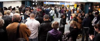Catania, arrestato albanese all'aeroporto. Aveva foto mentre impugna Kalashnikov