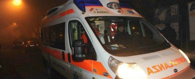 """Rimini, filma in diretta Facebook la morte di un ragazzo dopo un incidente in moto: """"Se guardate chiamate il 118"""""""