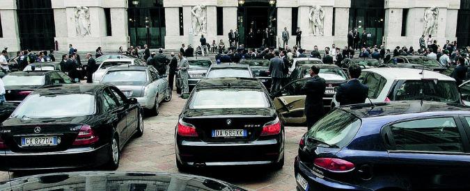 """Auto blu, il governo: """"Tagliate 43mila vetture"""". Ma il report è un flop: a Palazzo Chigi risposte solo da metà dei Comuni"""