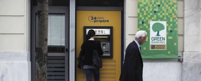 Grecia, inizia la corsa ai bancomat: solo a dicembre ritirati 2,5 miliardi