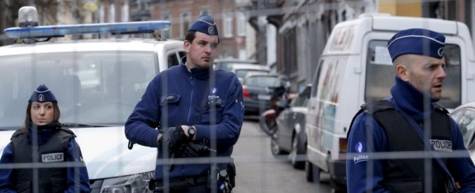 Terrorismo Belgio, blitz forze speciali. Due fuggono: arrestati al confine con Italia