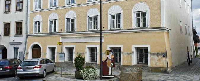 "Austria minaccia di espropriare casa di Hitler: ""Rischio pellegrinaggi"""