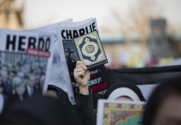 Manifestazioni contro Charlie Hebdo a Tehran