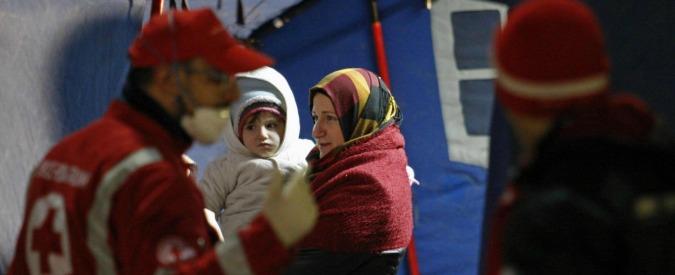 Migranti, 476 persone messe in salvo nel canale di Sicilia in arrivo in Calabria