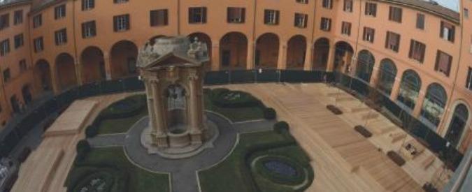 Bologna, cortile di Palazzo d'Accursio costato 300mila euro e già invaso da topi