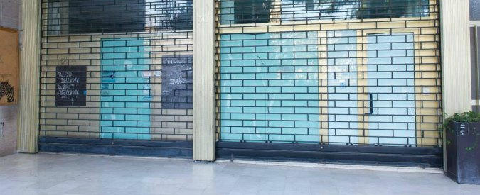 Crisi, in centro a Cremona 93 negozi chiusi. Un cittadino li mette su Facebook
