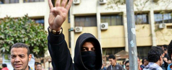 Egitto: chiusi per ore nelle stazioni di polizia, ecco la via 'soft' per punire gli attivisti