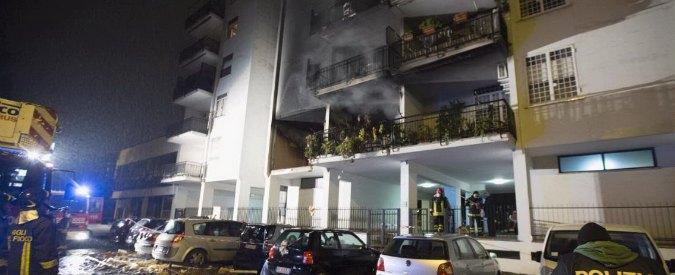 Fuga di gas a Roma, nell'esplosione un morto e 13 feriti. Fermata l'inquilina