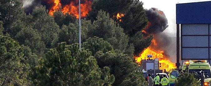 Spagna, F-16 si schianta in esercitazione: 10 morti e 13 feriti, di cui 9 italiani