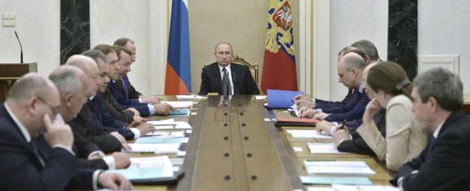"""Russia vara piano anticrisi: a banche 3,7 miliardi. Tsipras: """"No a nuove sanzioni"""""""
