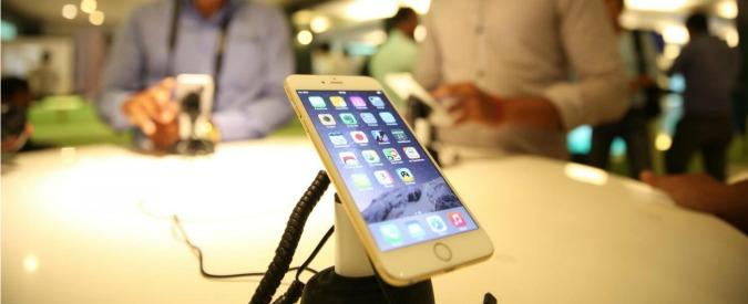 Smartphone, Android perde terreno su Apple: nel 2014 calo di vendite mondiale