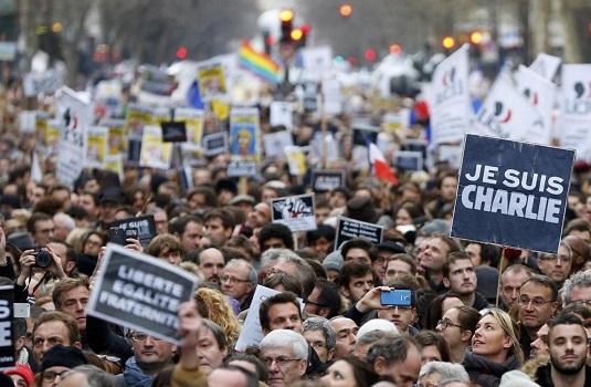 Manifestazione a Parigi Charlie Hebdo