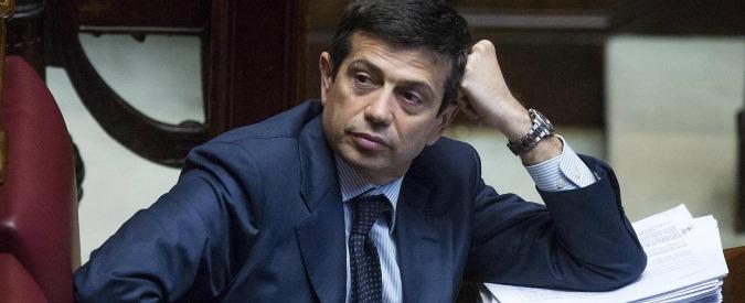 """Maurizio Lupi, il gip: """"Lavori e rolex al figlio, abito sartoriale al ministro"""""""