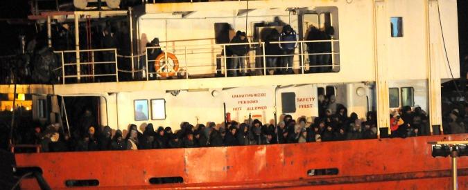 Migranti, navi fantasma sulla rotta turca: 13 in 3 mesi. E 'in Grecia nessun controllo'