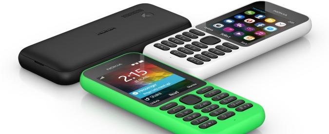 Nokia 215, Microsoft punta sul low-cost. Solo 29 dollari per un cellulare