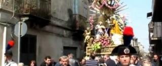 """'Ndrangheta, boss 83enne va in carcere. In suo onore """"l'inchino"""" della Madonna"""