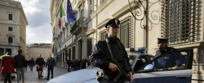 Palazzo Chigi, c'è un ladro nella sede del governo: sparite sciarpe, soldi, oggetti