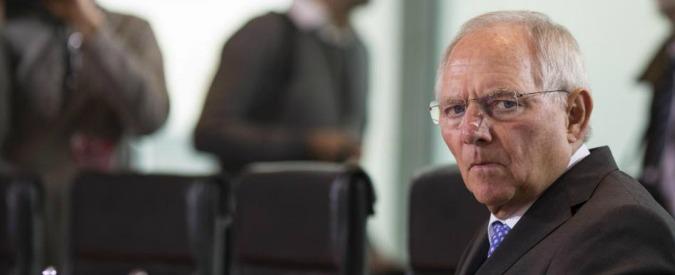 """Volkswagen, Schaeuble: """"Germania non vuole creare danni a industria dell'auto, è importante per il Paese"""""""