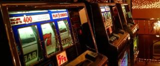 """Slot machine: """"Ludopatica, gioca all'insaputa dei familiari"""". Così la sala milanese schedava i clienti """"top"""""""
