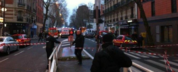 Charlie Hebdo, dopo la strage uccisa un'agente di polizia vicino a Parigi