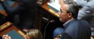 """Salva Berlusconi, M5s: """"Palazzo Chigi come rione di camorra"""". Pd: """"Malafede"""""""