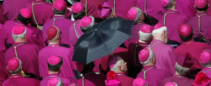 """Cerignola, la diocesi invia ai parroci il tariffario per il regalo ai vescovi: """"300 euro per comprare l'auto al monsignore"""""""