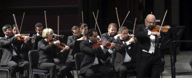 Smartphone, quando digitiamo il cervello cambia come quello di un violinista