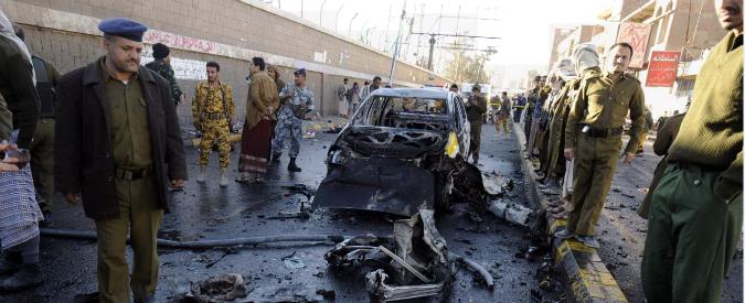Yemen, autobomba davanti a scuola di polizia. Almeno trenta morti