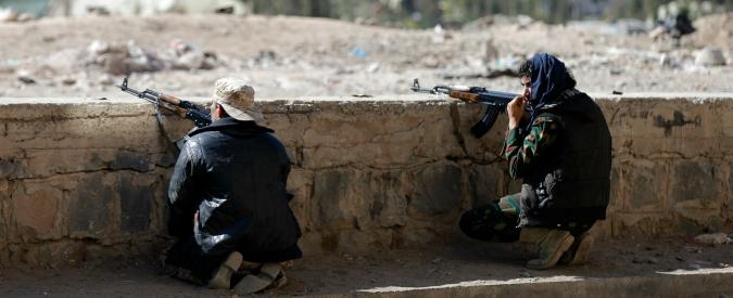 """Yemen, scontri tra ribelli ed esercito. Ministro: """"Vicini al colpo di Stato"""""""