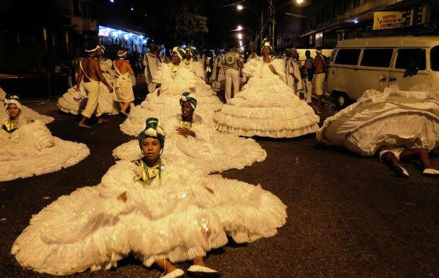 Carnevale di Rio in strada: 'Se non ballo o non canto, piango'
