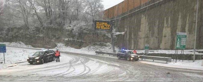 Meteo: neve al Nord, pioggia al Sud. Disagi sull'A1 e sull'A6