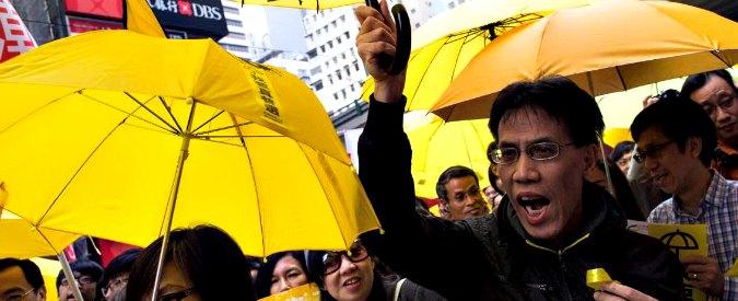 """Hong Kong, ombrelli tornano in piazza: """"Ma siamo meno fiduciosi di prima"""""""