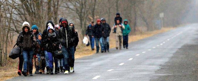 Kosovo, è esodo: 150 mila emigrati in 6 mesi. 'Migliaia a piedi verso Nord Europa'