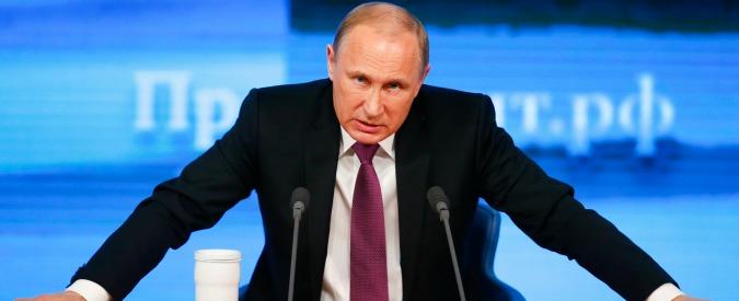 """Russia, Putin torna in pubblico. Tabloid: """"Era in Svizzera per la nascita del figlio"""""""