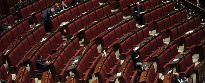 """Riforme, M5s, Lega e Sel fuori dall'Aula. Renzi: """"Nessun motivo per interrompere"""""""