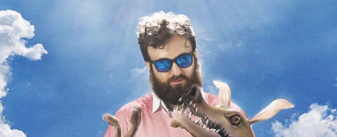 """Dargen D'Amico, grandi canzoni nel suo nuovo album """"D'Io"""". La recensione"""