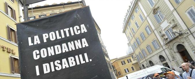 Disabili in Campania: caro De Luca, Valeria ha il diritto di studiare e comunicare?