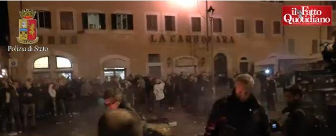 Roma, scontri con la polizia: condannati 11 tifosi del Feyenoord. 8 patteggiano