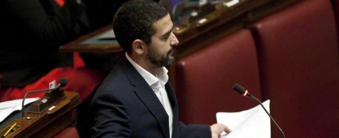 """Fraccaro boccia il bilancio della Camera: """"Montecitorio bancomat della Casta"""""""