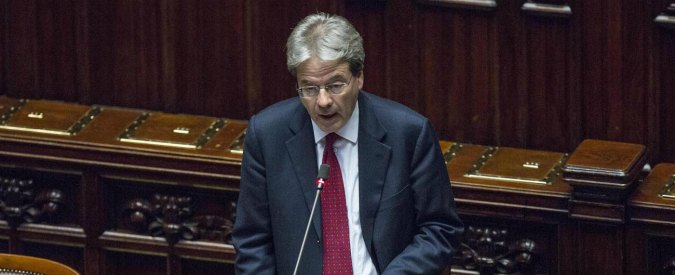 "Libia, Gentiloni: ""Situazione grave, ma no a crociata. Unica soluzione è politica"""